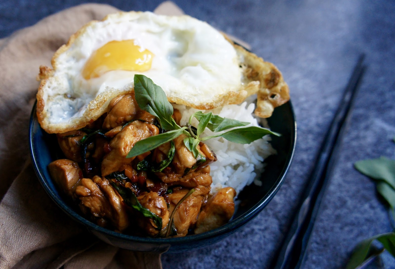 Thai Basil Chicken {Pad kra pao gai / ผัดกระเพราไก่}